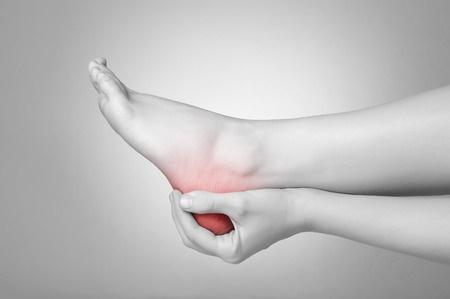 26018320 S Heel Pain Feet Hands Leg