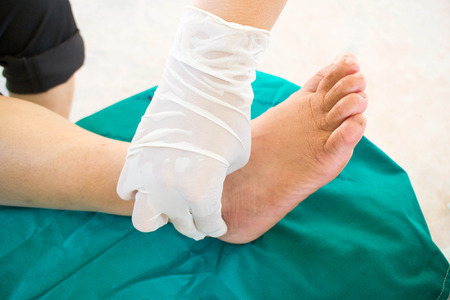 33084893 Diabetic Foot Skining Neuropathy