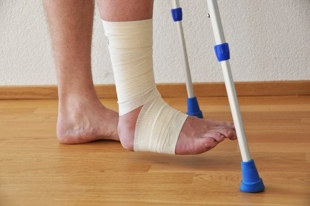 7409955 S Injured Feet Crutches Floor