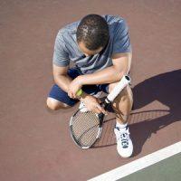 3883331 S Tennis Man Injury Racket Court Kneel Ball